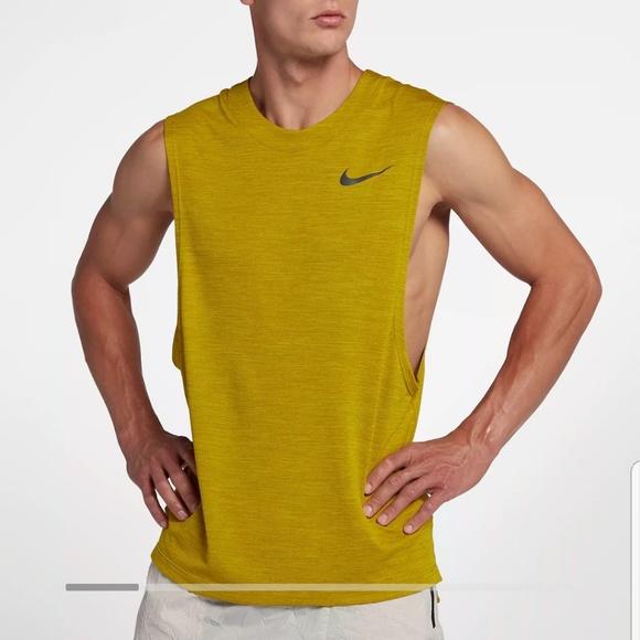 Circunstancias imprevistas Virgen Corrección  Nike Shirts | Medalist Run Division Sleeveless Top | Poshmark